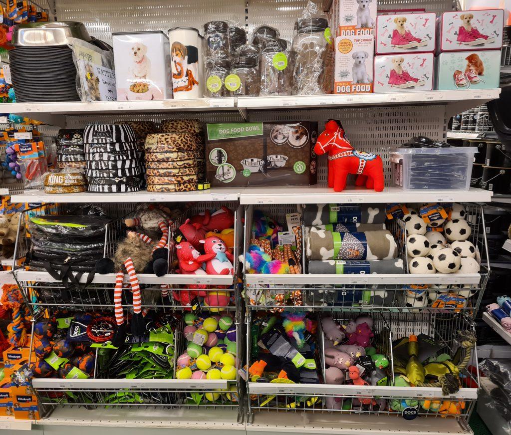 blandade leksaker för din hund